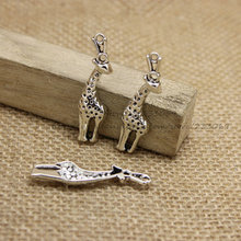 PULCHRITUDE 30pcs/lot 11*41mm Vintage Silver Metal Alloy Lovely Christmas Charms giraffe Jewelry Charms  T0244