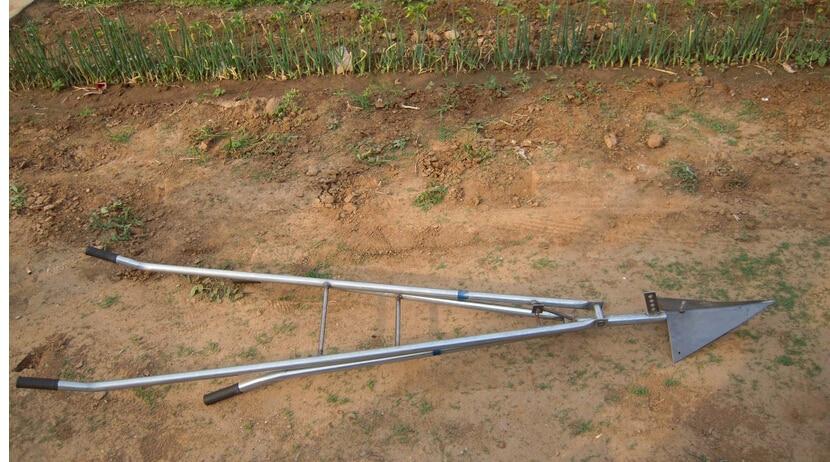 Free shipping garden and farm working machine tools, hand push walking small mini manual single plough<br><br>Aliexpress