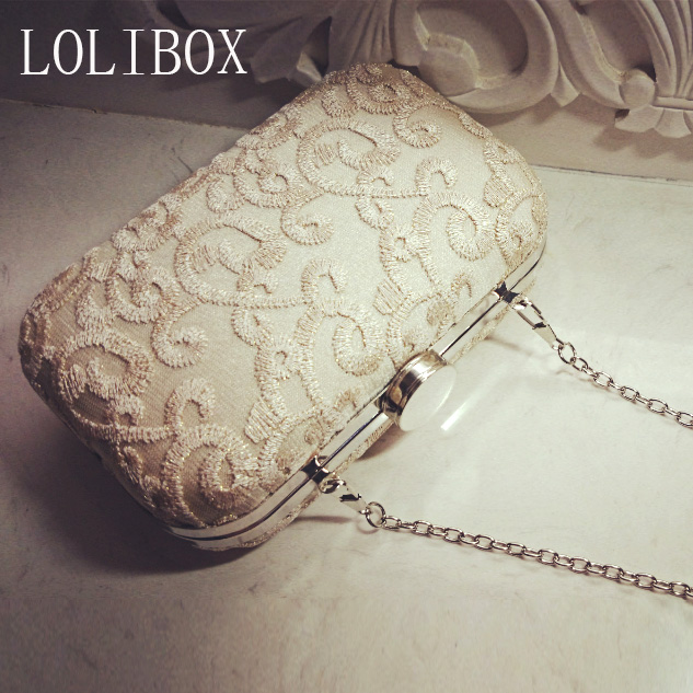 Embroidery Women Messenger Bags Vintage Handmade Champagne Color Day Clutches Evening Bags For Wedding/Party/Dinner<br><br>Aliexpress