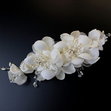 Fashion Western Hair Accessories Hand Made Pearl Beaded Hair Combs Wedding White Headdress Crystal Bridal Hair Flower Jewelry