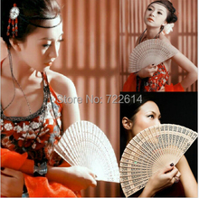 Vintage Folding Bamboo Hand Fans Wooden Hollow Carved Wedding Dancing Bridal Party Favors Decor Fragrant Sandalwood Fan