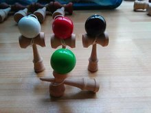200pc/lot 9cm mini Jade Sword Factory Outlets Boutique Traditional Beech Game Kendama toy Japanese Wooden Toy PU Paint Tribute