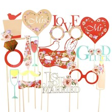 Red 15pcs Wedding Photo Booth Props Kit with Gold Sparkly Edge Holiday Song Lyric Photo Props on a Stick Wedding Signs(China)