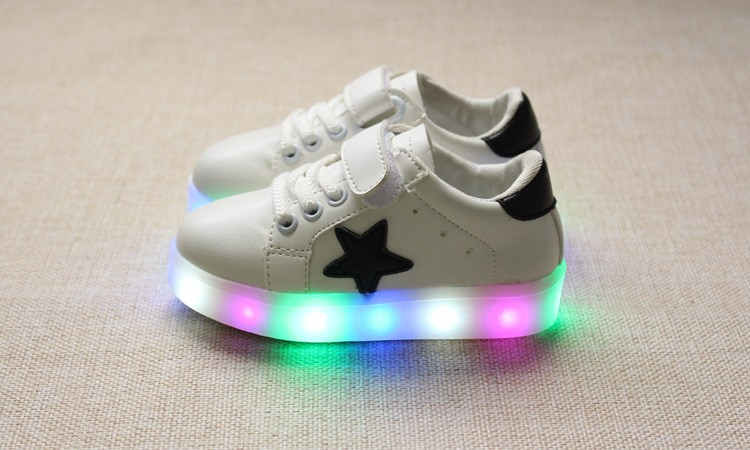 New 17 Cool LED lighted fashion new brand breathable children shoes cute little baby girls boys shoes kids sneakers 4