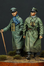 Free Shipping 1/35 Scale Unpainted Resin Figure WWII Greman officers 2 figures collection figure
