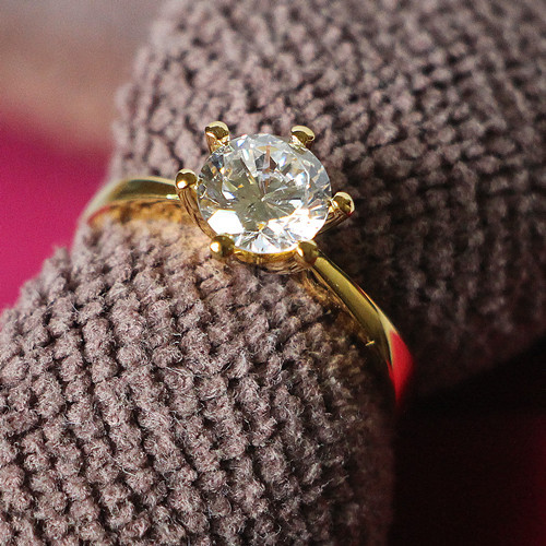 Sterling Silver 1CT Korean Hot Sale 6Prongs Setting Jewelry Yellow Gold Color Synthetic Diamonds Ring Solitaire Engagement Ring(China (Mainland))
