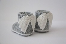 Crochet baby booties, baby shoes, boots, wings, angel, white, gray, grey, photo prop, baby shower gift 0-12month size: 9cm,11cm