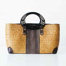New Thai version of the hand-woven rattan woven grass-style package national style wild handbag female travel resort beach packa