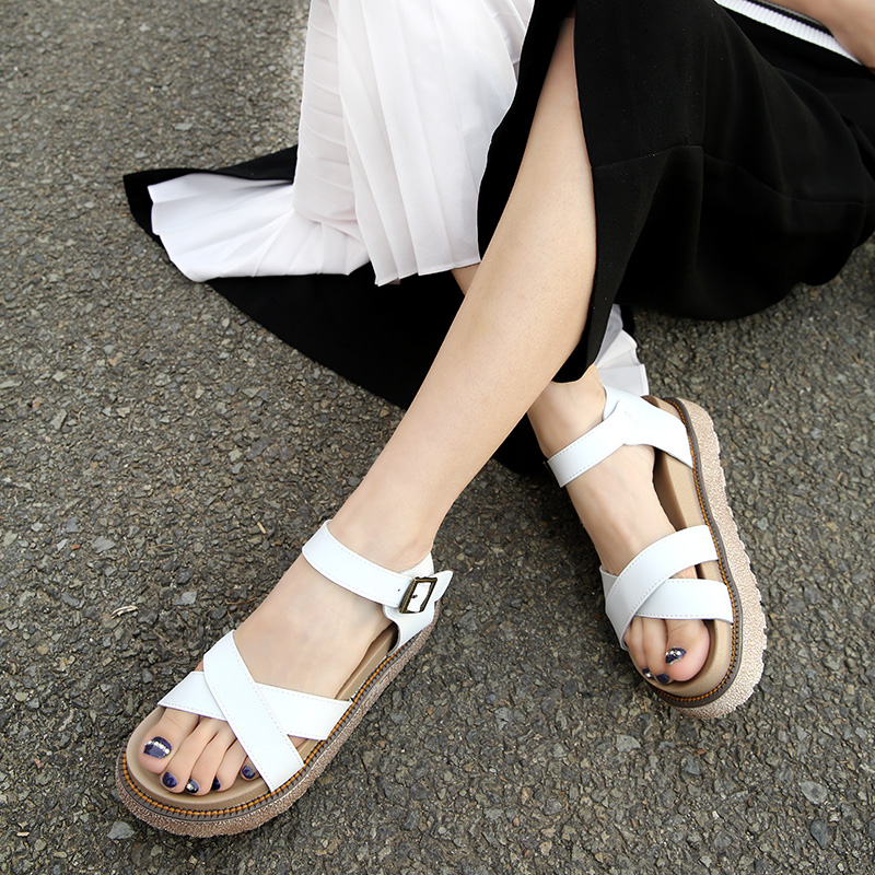 2017-New-Gladiator-Sandals-Summer-Leather-Woman-Flat-Thick-Bottom-Platform-Sandals-Ladies-Roman-Casual (5)