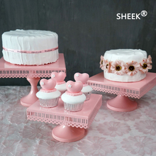 pink square iron cake stand Suitable for weddings for partiesg or atherings Have lace single cupcake stand