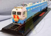 1/48 Scale Copper Chinese Shaoshan IIII ZhuDe Train High-speed passenger electric locomotive Painted Train Model