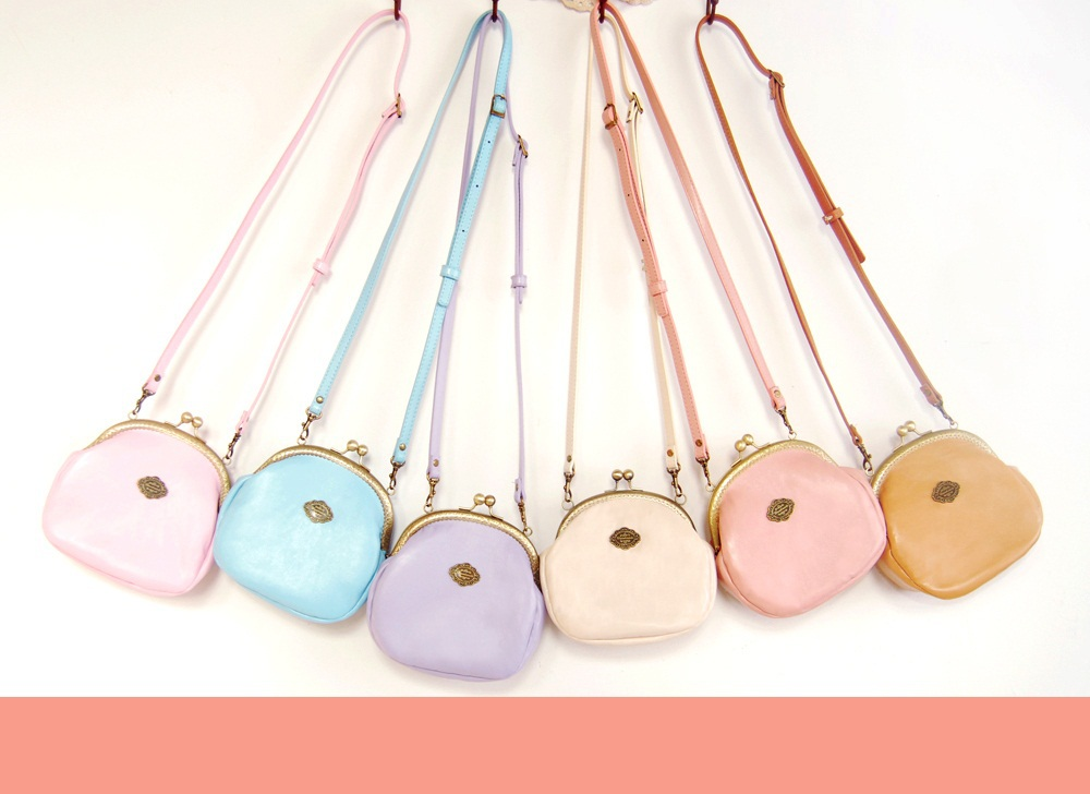 Original handmade vintage carved metal chain candy color cross-body bag womens daily purse<br><br>Aliexpress