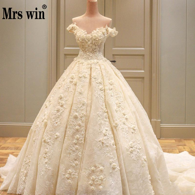 2019 Floral Applique Wedding Dress With Royal Train Sexy Boat Neck Wedding Gowns Lace Long Train Wedding Dress Vestido De Noiva