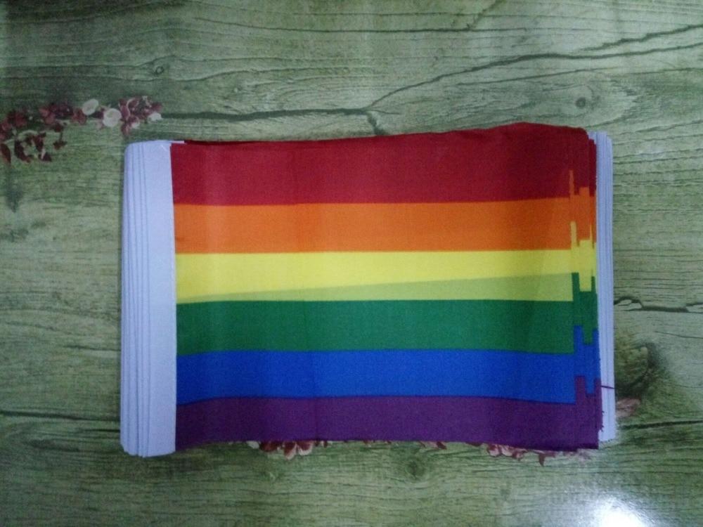 100Pcs-14-21Cm-A-plastic-Stick-Rainbow-Hand-flag-Car-Flags-American-flag-Lesbian-Gay-Pride