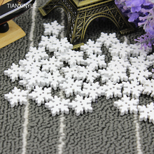 Free shipping 50 pcs 18mm 2-hole White Snow Printed Wooden button Sewing Scrapbooking Crafts accessory(China)