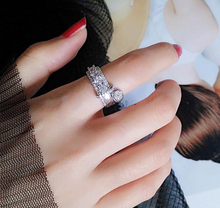 2017 New Fashion Micro Pave Premium CZ Zircon Knuckle Ring Women Popular Silver Rings With Small Round Pendant