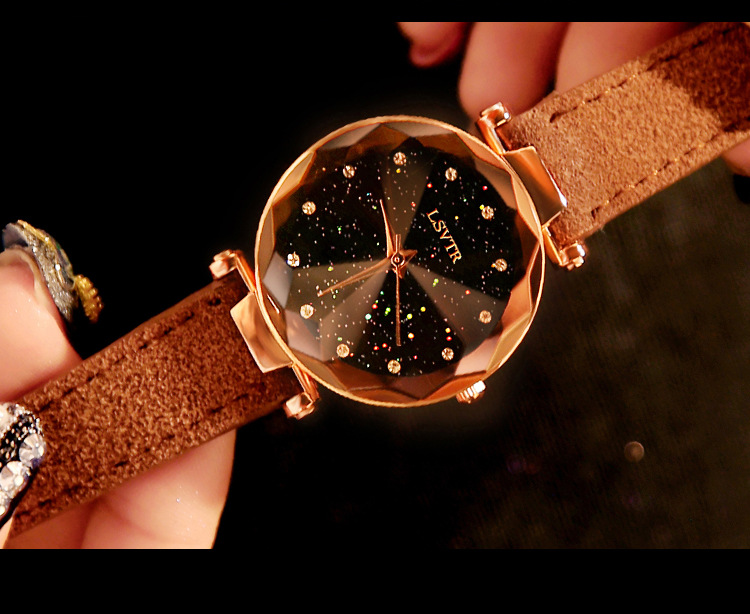 18 Luxury Brand Gogoey Women Watches Personality romantic starry sky Wrist Watch Leather Rhinestone Designer Ladies Red Clock 5