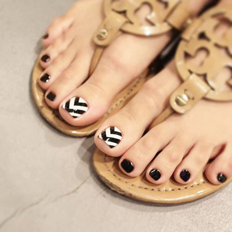 24pcs Short Acrylic Clear False Toe Nails With Designs Removable Square Korean Fake Toe Nails Black White Stripes Toe Nail Tips