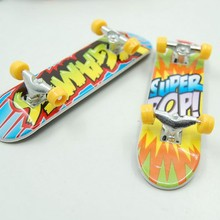 2Pcs Professional Type Bearing Wheels Skid Pad Maple Wood Finger Skateboard Alloy Stent Bearing Wheel Fingerboard Novelty Toy