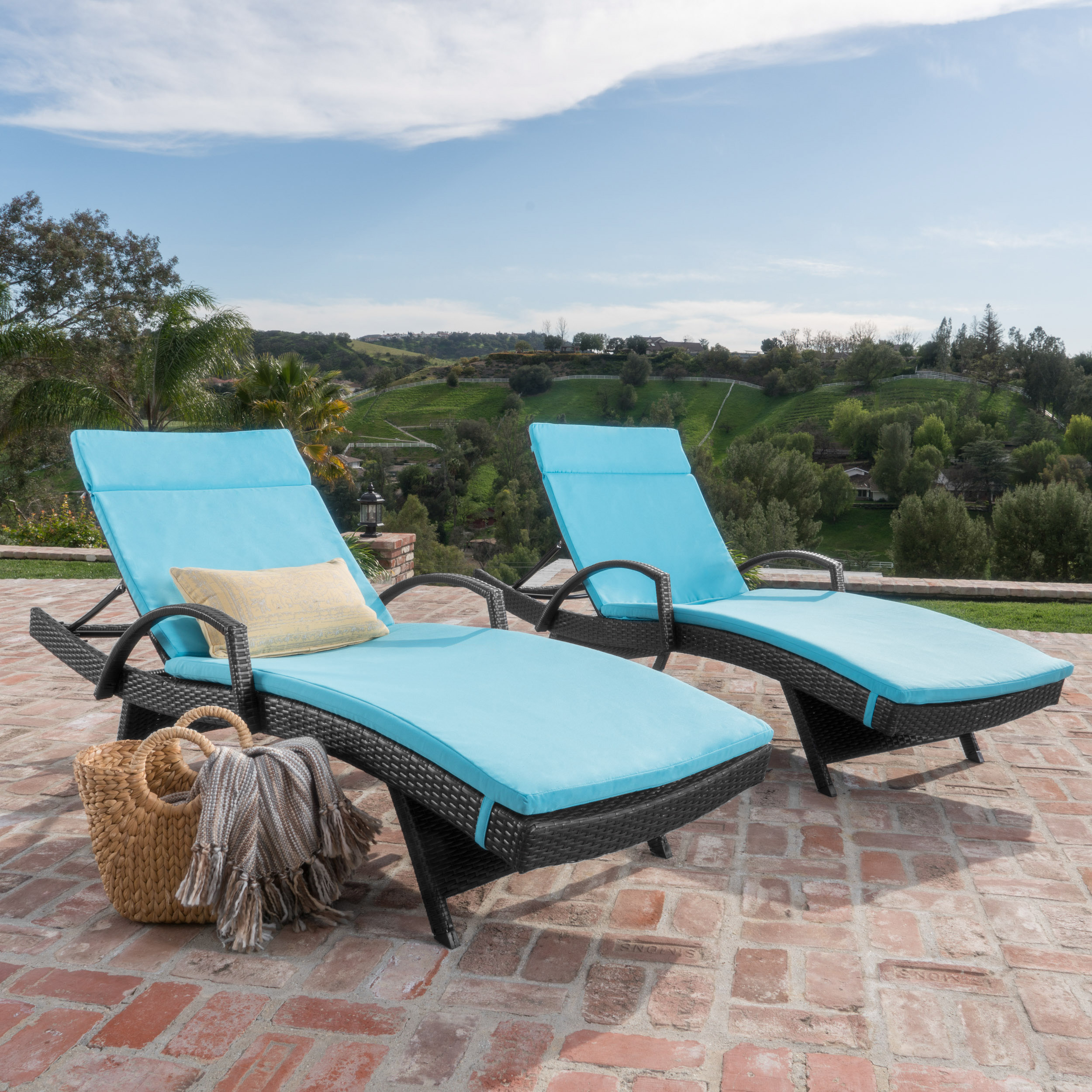 Soleil Outdoor Wicker Chaise Lounges w/ Water Resistant Cushions (Set of 2) (2)