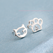 Shuangshuo New Fashion Silver Cat Paw print stud earrings for women Small Animal Earrings party gift Bijoux femme