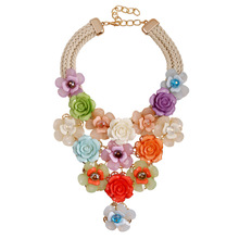2016 Europe big Crystal Flower necklace luxury short clavicle exaggerated vintage women's accessories chain necklace female
