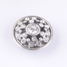 (12 pieces/lot) Hollow Metal Antique Silver Bling Clear Snap 18mm Diy Rhinestone Button Charms Fit Snap Bracelets For Men