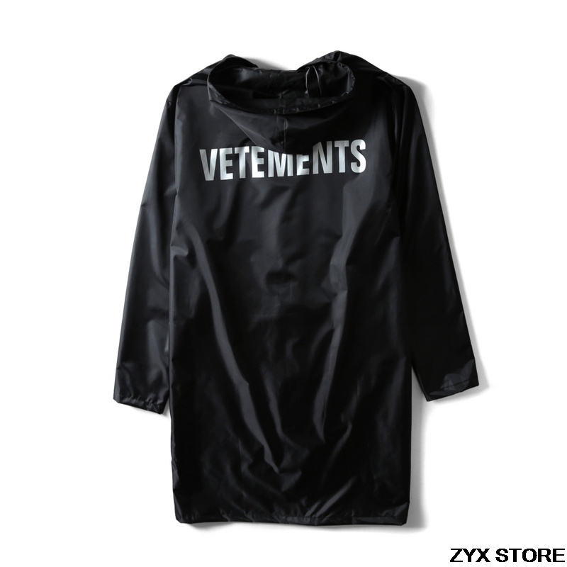 2017 Vetements Letter Printed Women Men Waterproof Jacket Coat Oversized Useful Raincoat Hiphop Men Jackets Windbreaker