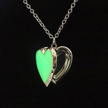 Famous Brand Jewelry with Silver Plated Glow in the Dark Locket Heart Shaped Choker Long Pendant Necklace for Women Gift