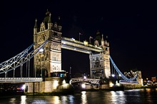 High Spray Tower Bridge Printed Home Decor Canvas Art Picture Night View Wall Sticker