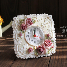 051454 European retro fashion creative rose garden decoration hand painting carving table clock