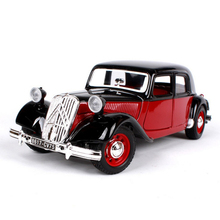 Classic Car Models 1/24 Scale 1938 Citron 15 CV TA Diecast Collections With Openable Doors Limited Stock
