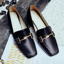 Concise Luxury Brand Genuine Top Quality Cow Leather Low Heels Flat Shoes Woman Metal LOGO Loafers Spring Red/Black Casual Shoes