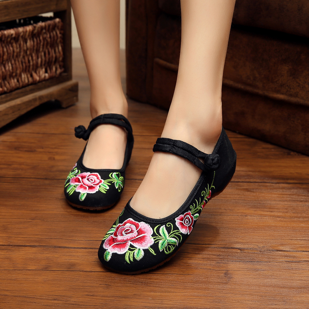 New Spring delicate fashion flowers embroidery ladies travel flats shoes oxford shoes for women sapato feminino chaussure femme<br><br>Aliexpress