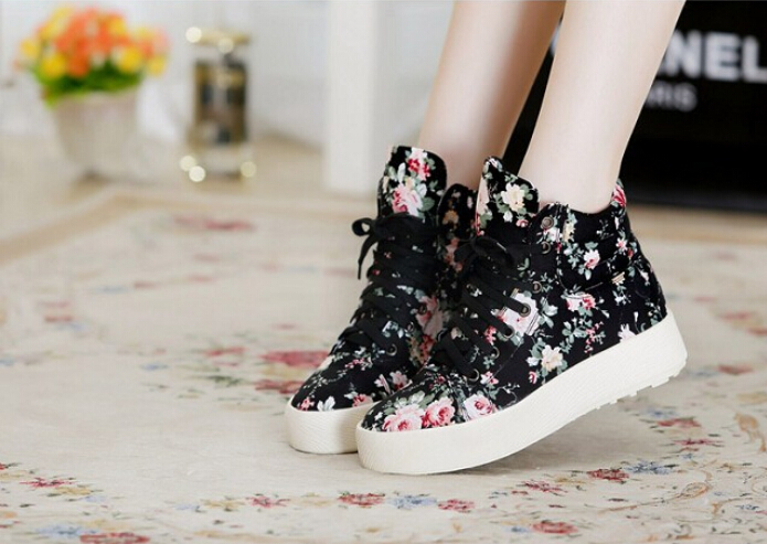 Increased within 2017 new floral no use canvas shoes Floral canvas shoes high fashion Female casual shoes<br><br>Aliexpress