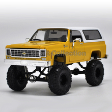 * 1:24 Chevy Chevrolet Silverado (Yellow) with a Cover K10 4X4 Pickup So Real Concepts Diecast Model Truck
