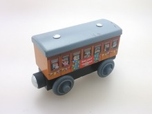 new style wooden Thomas and friend train Chinldren child kids plastic toys Passenger compartment Paint off