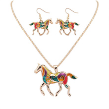 Fashion Trend Beautiful Horse High Quality Gold/Silver Plated Multicolor Horse Necklace Earring Set Animal Jewelry Party Gifts