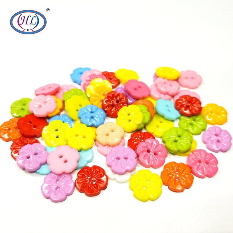 15mm 10 Colours Sewing Crafts 12 /& 100-13mm Clear Flower Buttons  Packs of 6