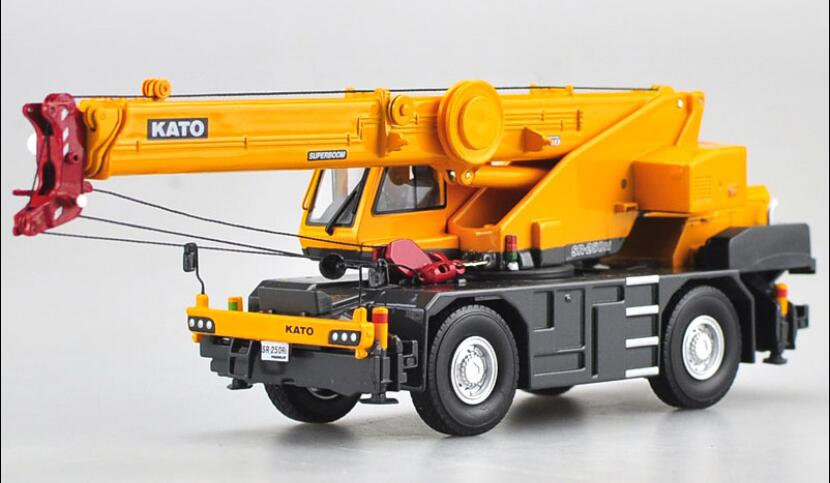 1:50 KATO SR250 Premium Roughter Rough Terrain Off-road Crane Toys(China)
