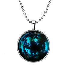 Vintage Jewelry Antique Glow In Dark Pendant Luminous Statement Necklace 3pcs/lot Glowing Colorful Tiger Necklace For Women