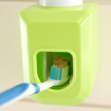 HOT Automatic Toothpaste Dispenser family Toothbrush Holder bathroom household items toothbrush dispenser bathroom accessories