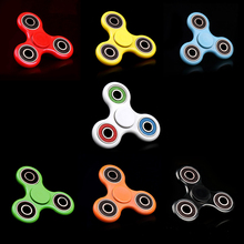 Fashion Tri-Spinner Plastic EDC Hand Spinner For Autism and ADHD Anxiety Stress Relief Focus Fidget Spinner Toy Gift White/Black