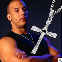 N171 2017 The Fast And The Furious Dominic Toretto Vin New Movie Jewelry Classic Rhinestone Pendant Sliver Cross Necklaces Men