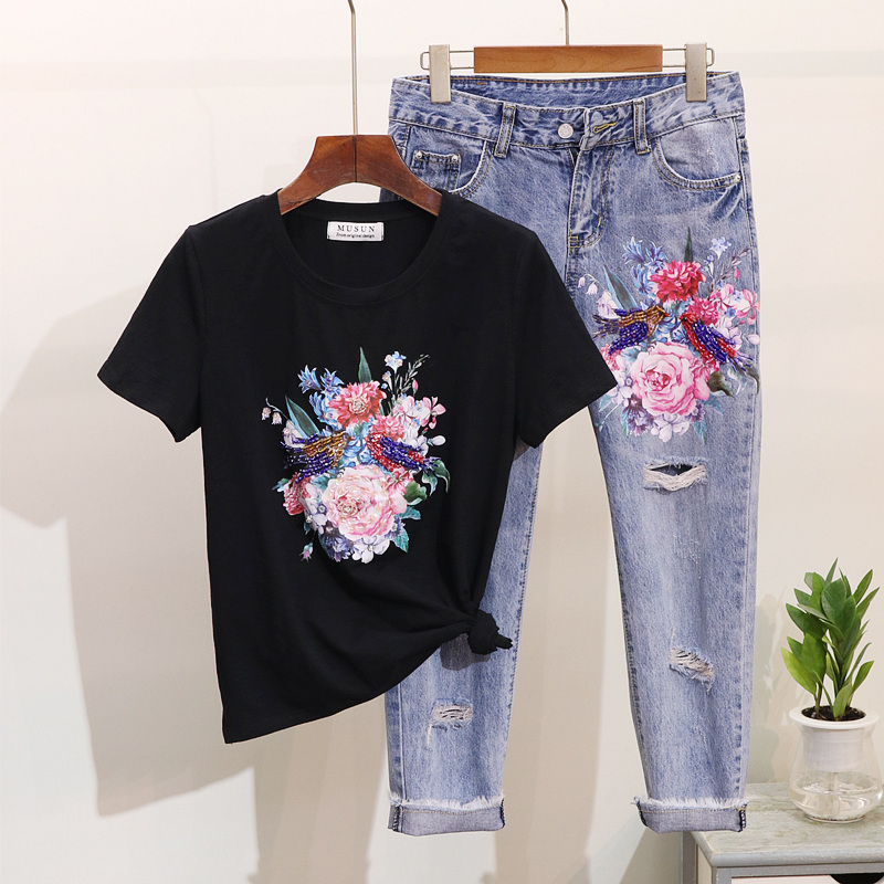 2019 New Spring Women Pearl Flower and Birds Printed Short-sleeved T shirt + Hole Ripped Jeans Pants Two Piece Pants Suit