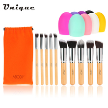 Abody 10Pcs Makeup Brush Set Wooden Handle Essential Cosmetic Kit Makeup Brushes with Random Color Mini Cleaning Brush Tools(China)