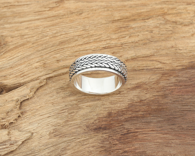 Awesome 925 Sterling Silver Rope Ring