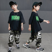 Kid Hip Hop ropa Casual camiseta Tops camuflaje pantalones para niñas niños  traje de la Danza del Jazz ropa de baile de salón de. aaf4ff95f5b