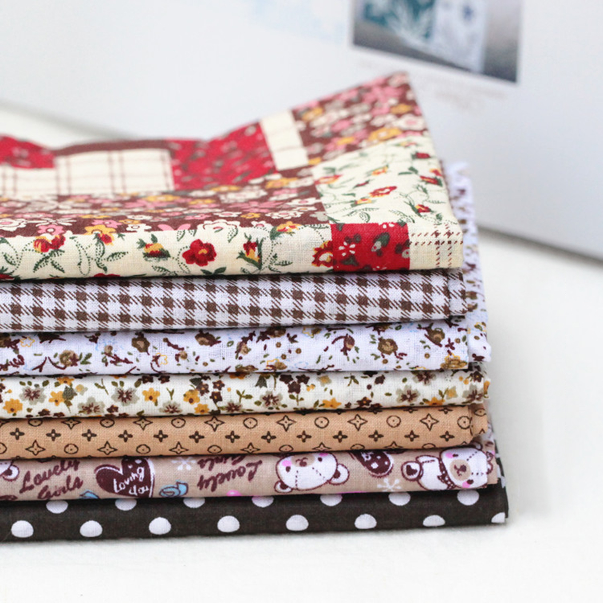 7pcs 25x25cm Assorted Pattern Floral Printed Patchwork Cotton Fabric Cloth DIY Crafts Bundle Sewing Quilting