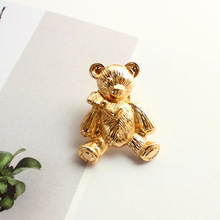 The European And American Wind Spring New Texture Golden Sweet Blessing Three-dimensional Cute Teddy Bear Brooch Brooch Clothing